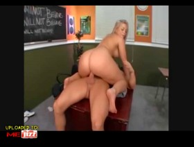 Alexis Texas Goes to School