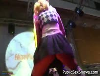 Live Show - Just Rubbin' Him