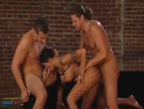 Ana Nova,Smoking Threesome