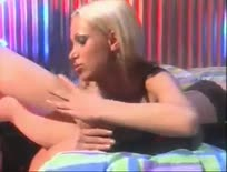 Masturbating Blond Bitch - Fetish sex video