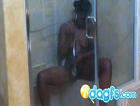 Bootylicious black girl in the shower,1