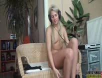 Blonde wearing headphones while having sex,ipad,tube,free,