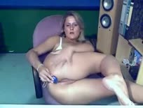 Chubby blonde slut double toying,ipad,tablet,