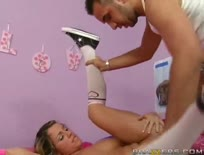 Bella - Teen Gets a Grown up Sized Facial,ipad,tube,free,